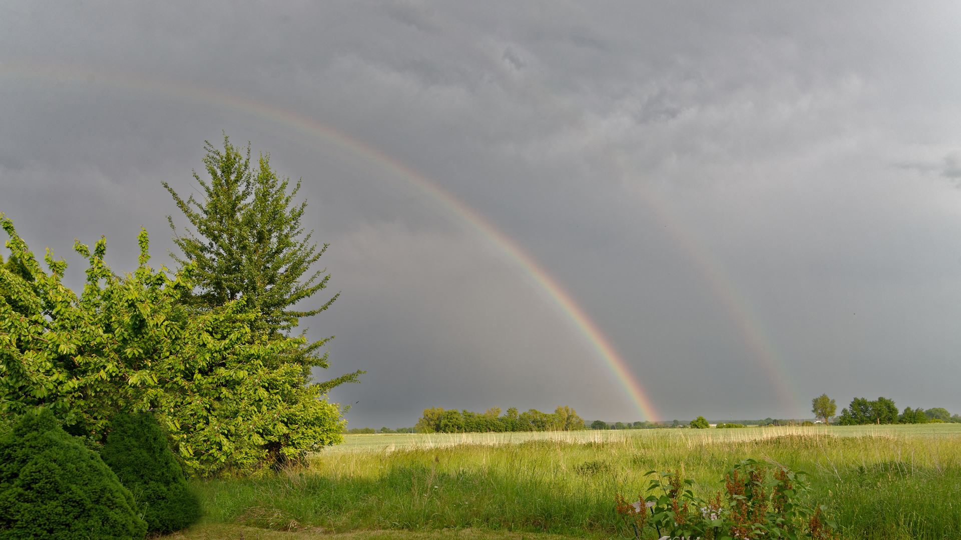Ein Regebogen über Wegezin