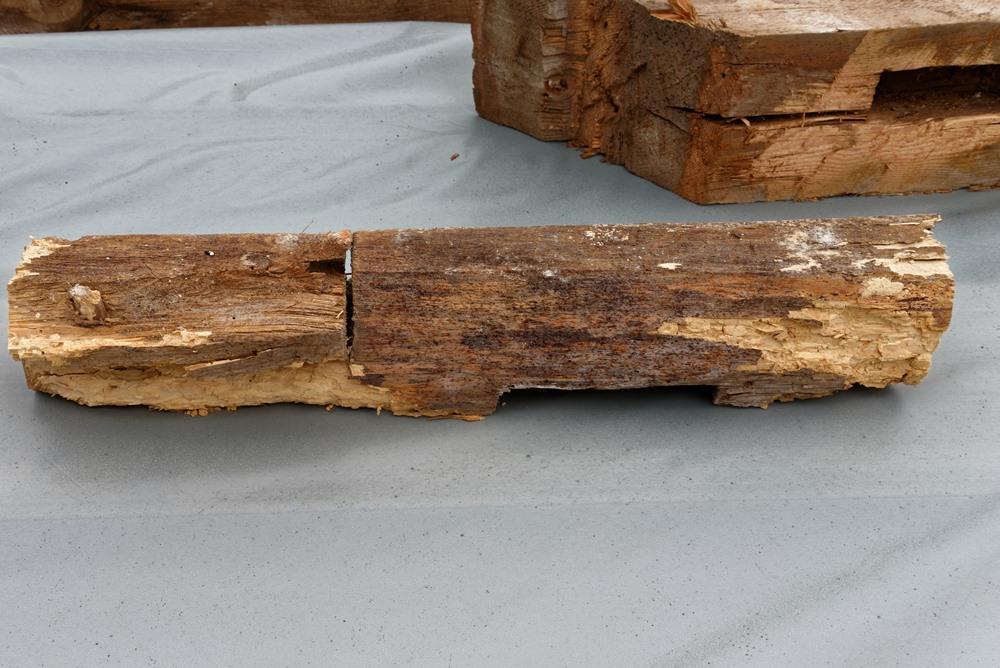 Wasser hat manches Holz zerstört!