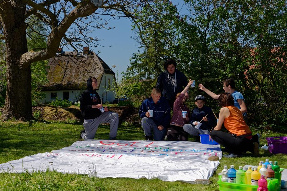 Kunst und Kirche mit der Jugend im Garten