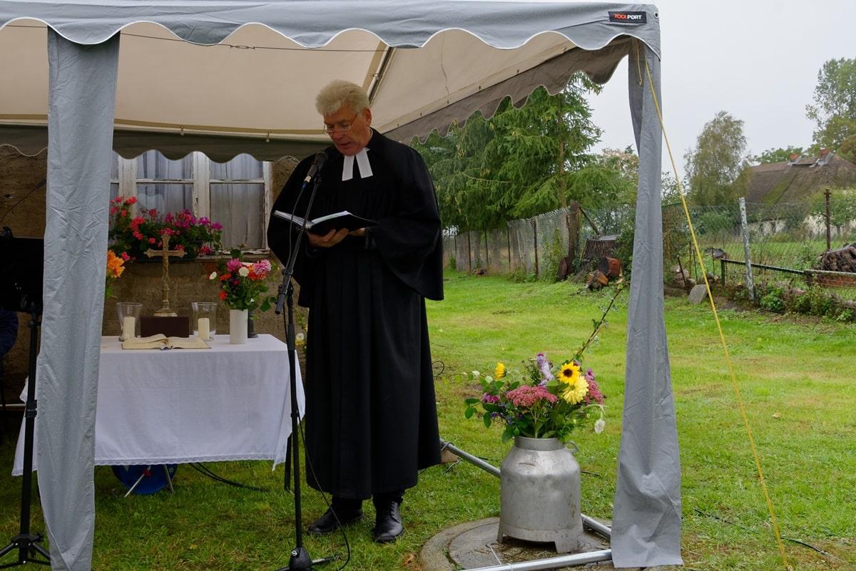 Pastor Jens Warnke leitete den Festgottesdienst